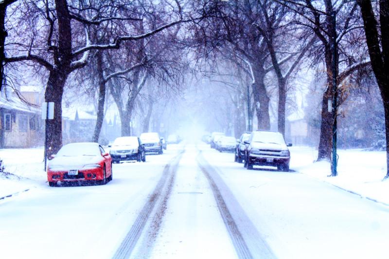 Снежная буря накрывает Чикаго