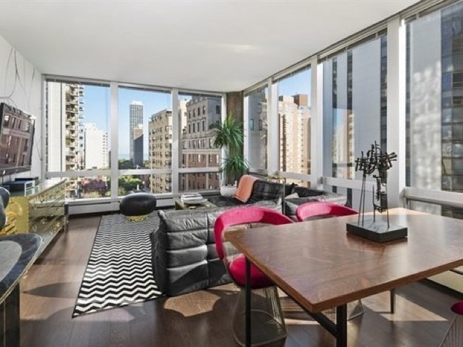retro-gold-coast-one-bed-corner-unit-can-be-had-for-225k1.jpg